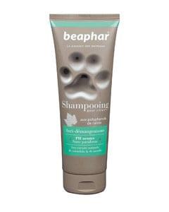 Bote de plástico con Champú marca Beaphar