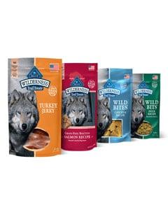 Variedad de paquetes de golosinas para perros marca Blue Buffalo