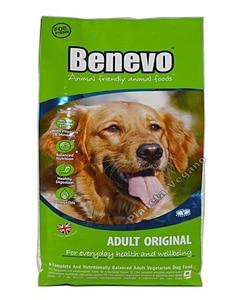Saco de pienso para perros de la marca Benevo son la imagen de un perro